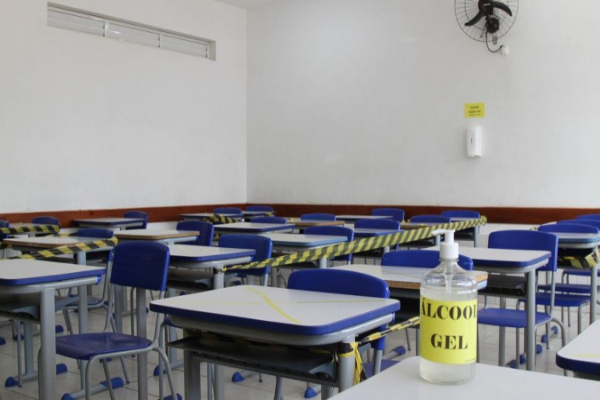 sala-de-aula-escola-coronavirus-gerson-klaina-970x550-1-1