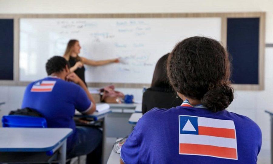 Professor-Escola-Aula-Bahia-Reprodução